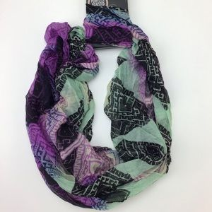 The Perfect Adjusted Scarf  Women's By D&Y